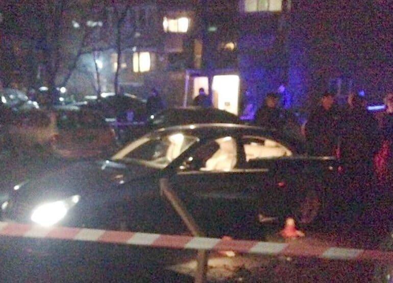 Киллер расстрелял вцентре украинской столицы предпринимателя иего детей