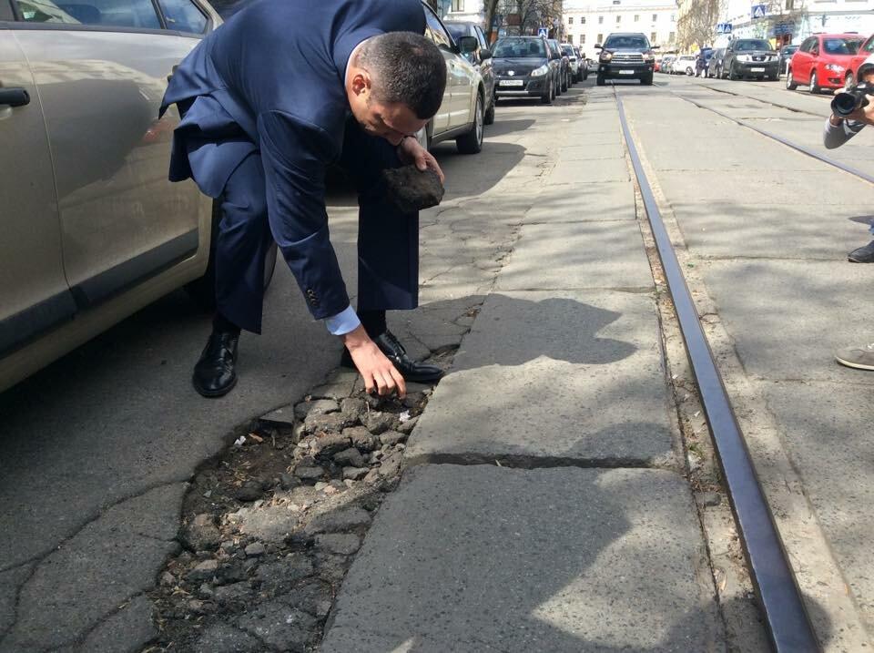 ВКиеве увеличили финансирование ремонта дорог,— Кличко