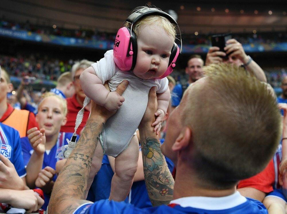«Тасамая» победа Исландии наЕвро повернулась пиком рождаемости через 9 месяцев