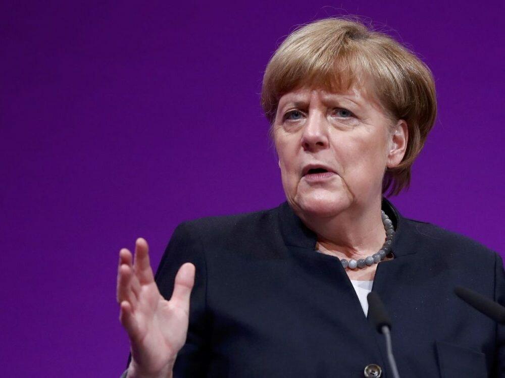 Оланд иМеркель назвали Асада ответственным заракетные удары США поСирии