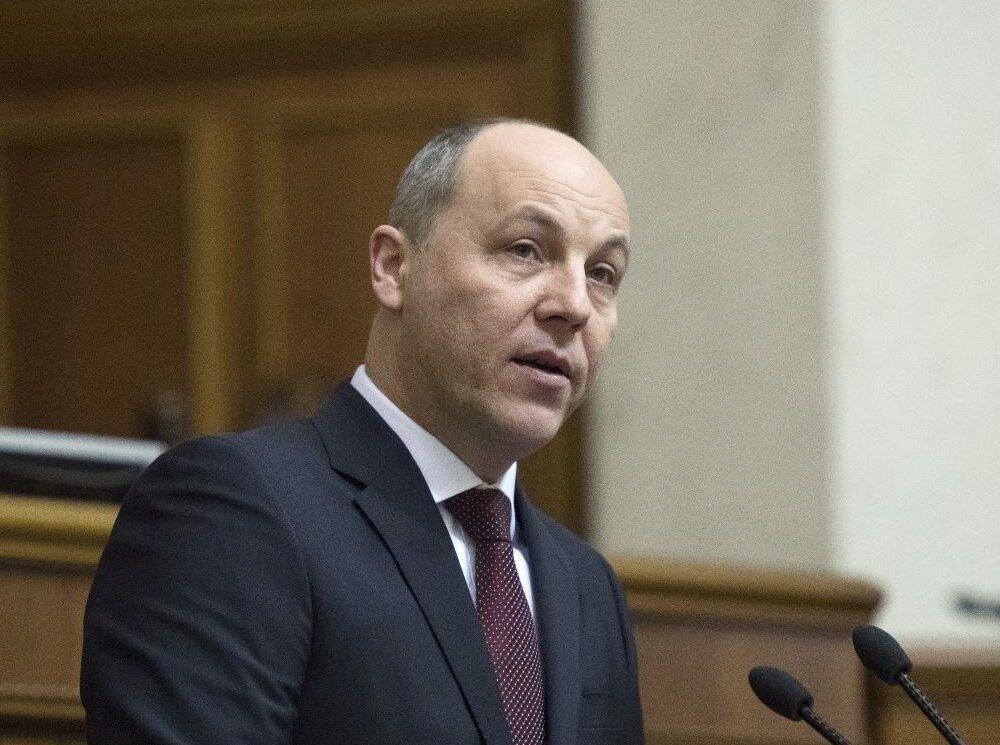 Парубий: Вопрос овыборах нанеподконтрольном Донбассе нестоит