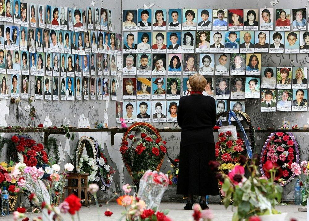 ЕСПЧ обязал Россию выплатить 3млневро родственникам жертв теракта вБеслане