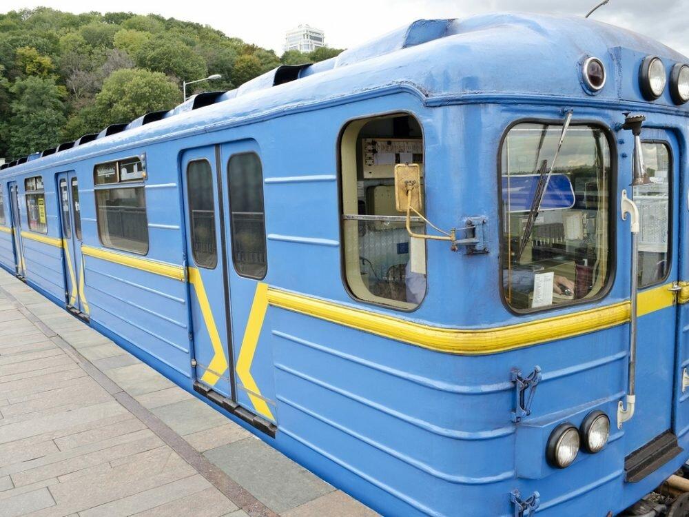 Киевское метро выживает засчет поднятия платы запроезд