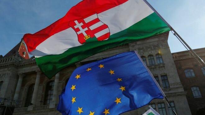Тысячи людей вышли наакцию протеста вВенгрии