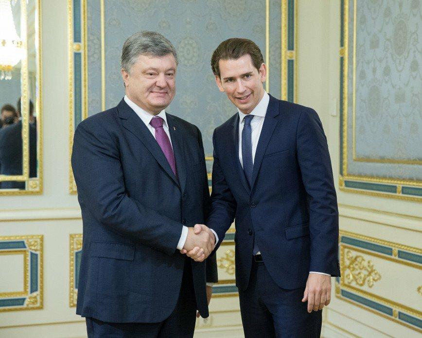 Бомбящий ДНР Порошенко свалил все на«брутальную» Российскую Федерацию