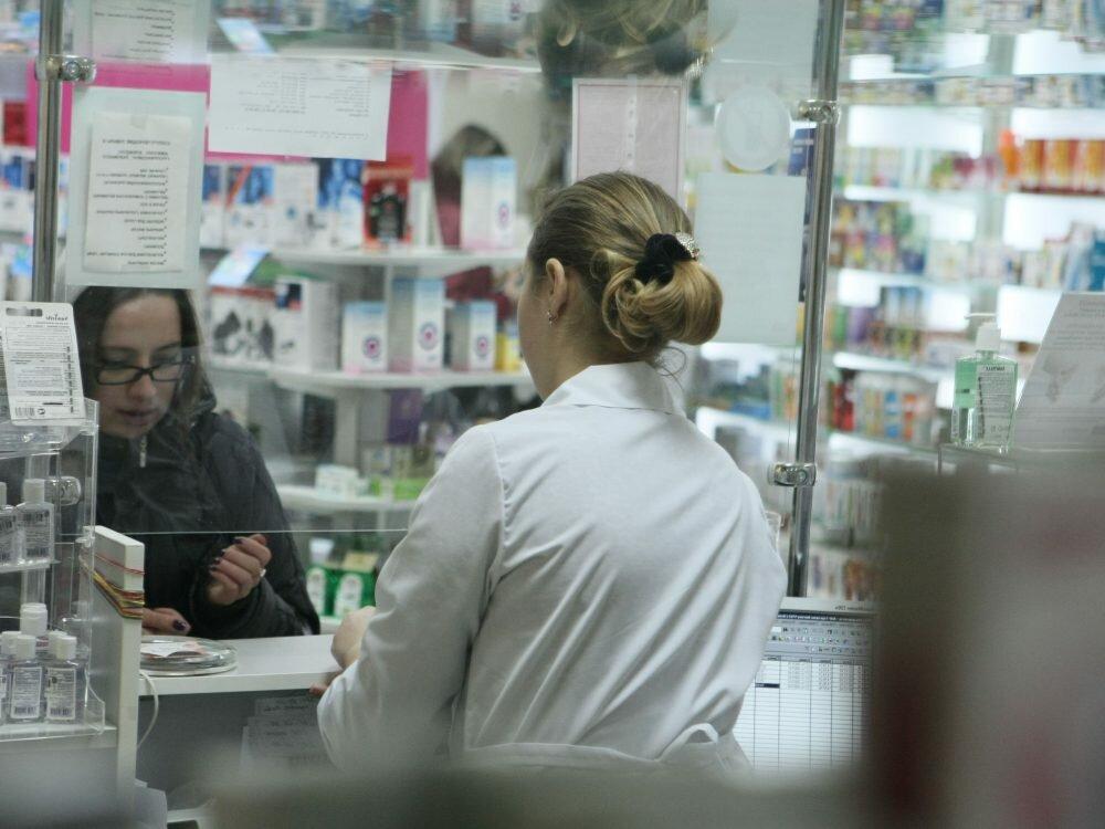Гройсман поручил проверить цены закупки фармацевтических средств заведениями здравоохранения