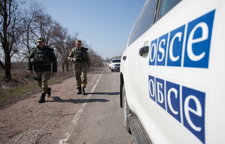 Боевики «ДНР» 7 часов удерживали водителя иоборудование ОБСЕ