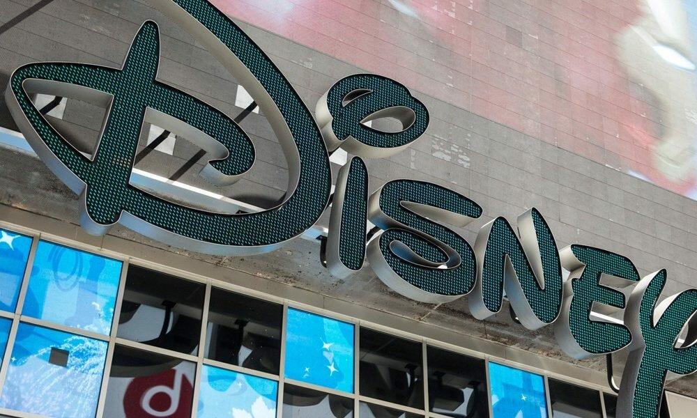 Disney обвинили вслежке задетьми