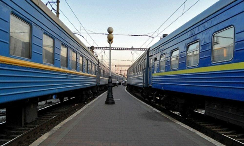Под Киевом из-за неисправности локомотива парализовало движение поездов