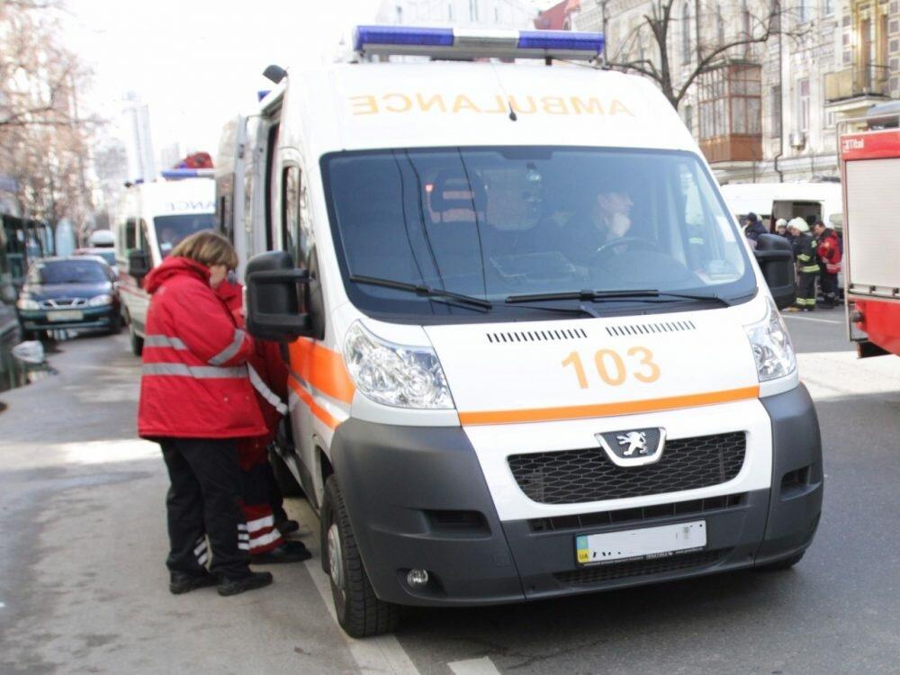 Mercedes влетел в фургон , умер  шофёр  4— Столичное ДТП