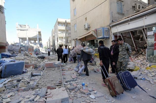 Руководство Ирана объявило день траура впамять опогибших вовремя землетрясения