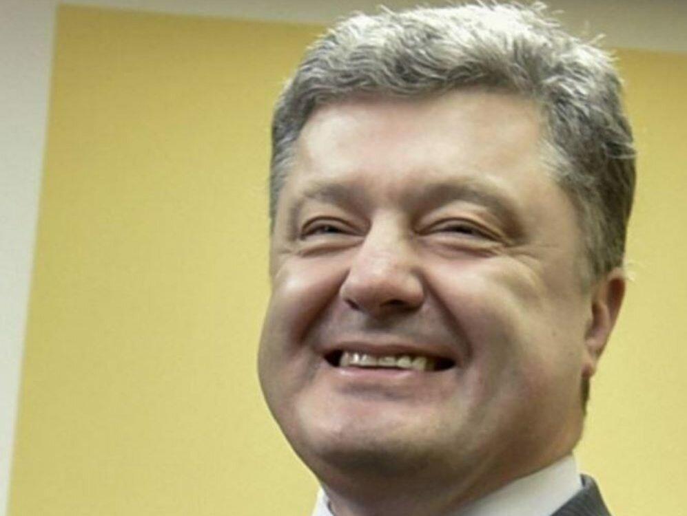 Работающий украинец тратит наПорошенко 51 гривну вгод