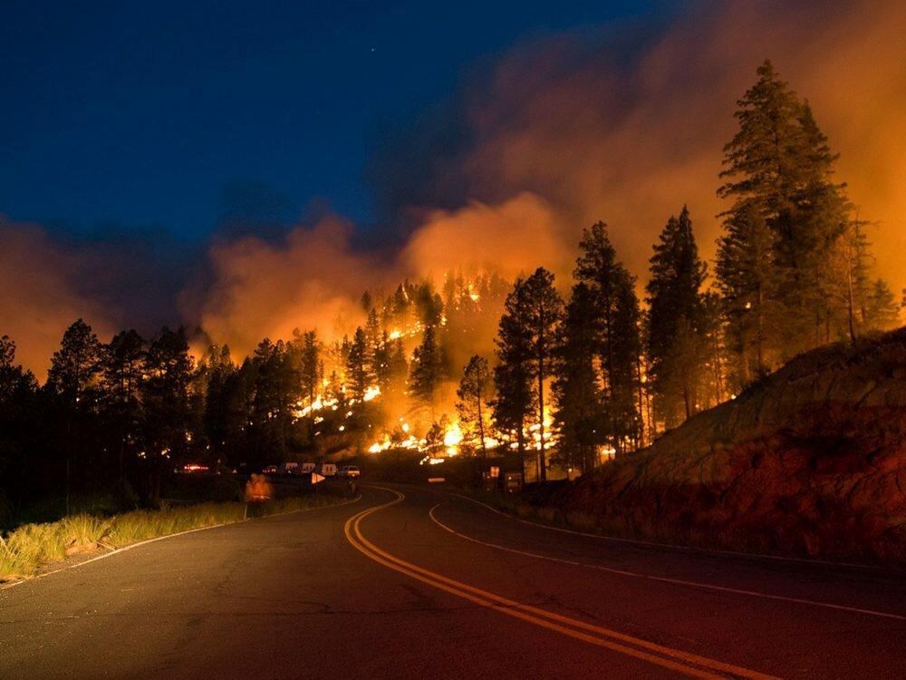 Как калифорнийские пожарные сражаются с«Томасом»— Клин клином