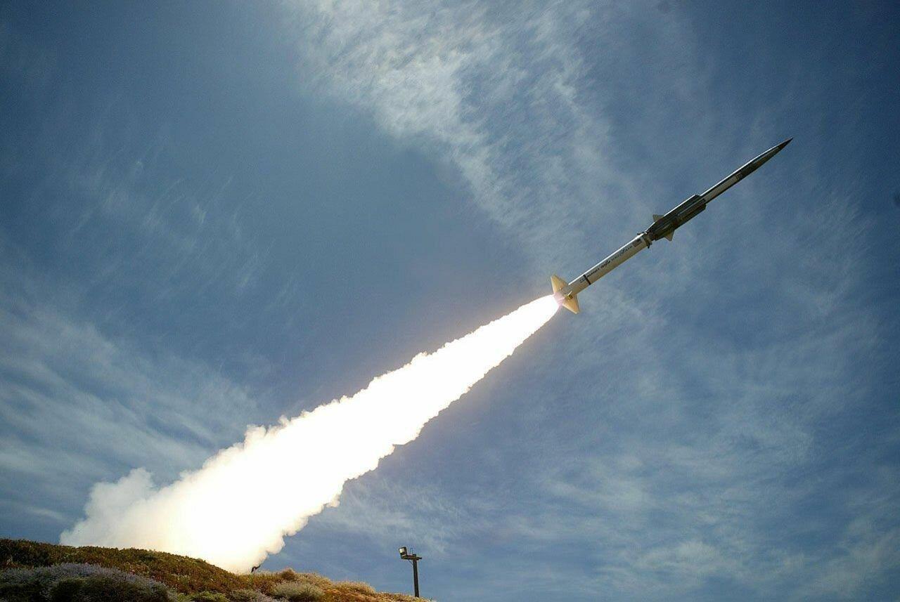 Израиль нанес удар посектору Газа вответ на запуск  ракет